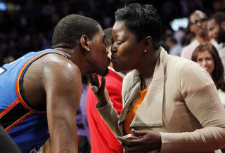 Mama Durant talks son Kevin on Brown andScoop